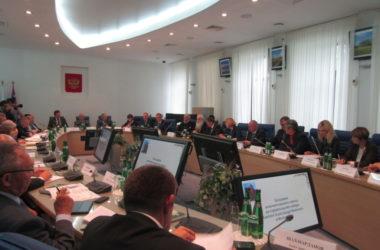 Строящийся собор Александра Невского в Волгограде обнесут прозрачным ограждением
