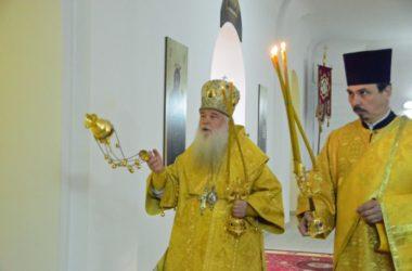 Божественная литургия в день престольного праздника храма святого праведного Иоанна Кронштадтского