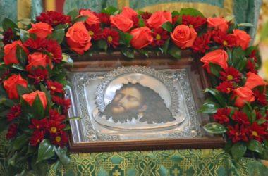 Божественная литургия в праздник третьего обретения главы Иоанна Предтечи