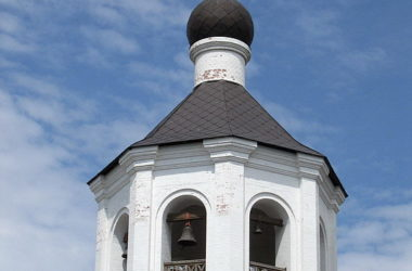 В День Крещения Руси в волгоградских храмах совершен колокольный звон