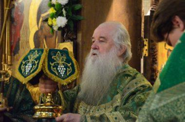 Божественная литургия в день празднования святому преподобному Сергию Радонежскому