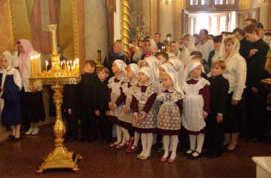 В конце летних каникул в волгоградских храмах отслужат молебны на начало учебного года