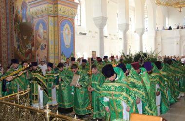 Более полутора тысяч верующих прибыли на торжества в Усть-Медведицкий монастырь в день памяти преподобной Арсении