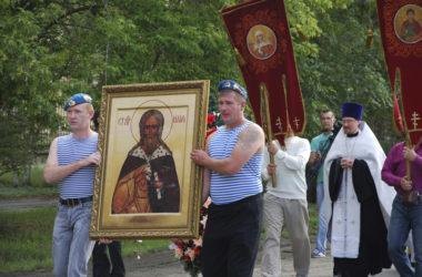 Волгоградские десантники впервые прошли крестным ходом