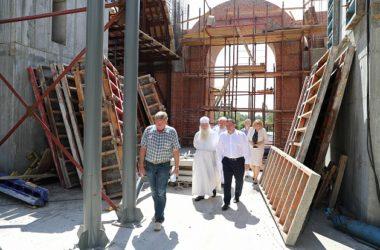 Митрополит Волгоградский и Камышинский Герман посетил строительную площадку Александро-Невского собора