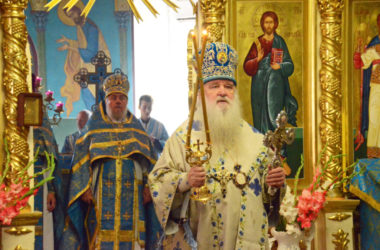 Божественная литургия в Казанском соборе (3 сентября)