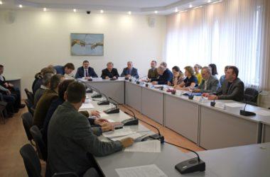 Протоиерей Олег Кириченко принял участие в работе круглого стола, посвященного Октябрьскому перевороту 1917 года