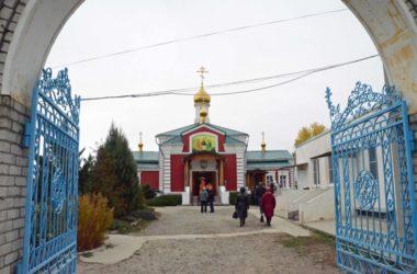 Божественная литургия в Параскевинском храме