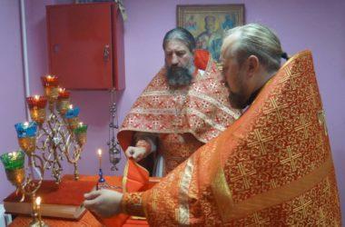 Божественная литургия впервые совершена в молитвенной комнате Детской больницы №8
