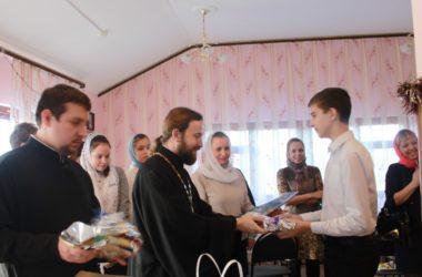 Рождественская встреча молодежи в храме святого праведного Иоанна Кронштадтского