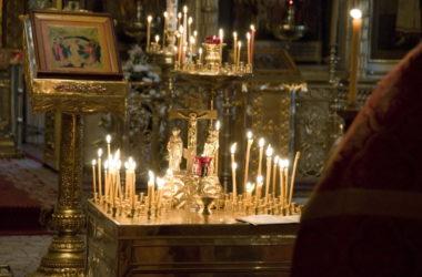 В храмах митрополии молятся о погибших в Дагестане православных христианах