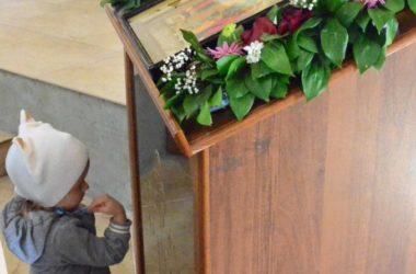 Божественная литургия в праздник святых жен-мироносиц