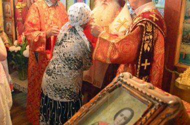 Божественная литургия в храме великомученика Пантелеимона