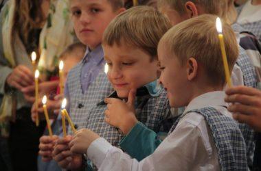 В волгоградских храмах совершаются молебны перед началом учебного года