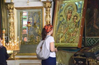 Божественная литургия в Неделю 17-ю по Пятидесятнице