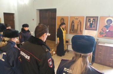 В Волгограде молитвенно почтили память жертв ДТП
