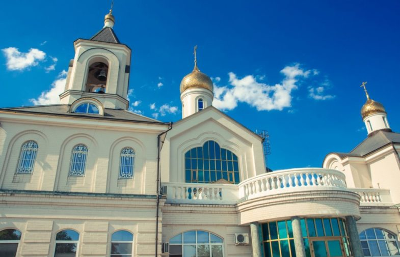 Приглашаем побеседовать со священником в храме преподобного Сергия Радонежского