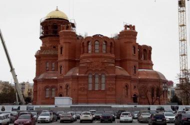 На Александро-Невский собор установлен купол