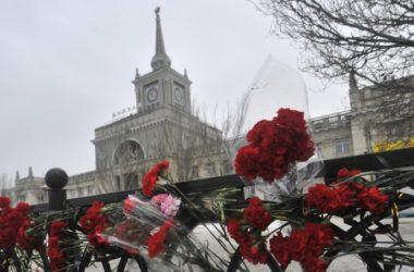 В пятую годовщину терактов в Волгограде проходят панихиды по погибшим