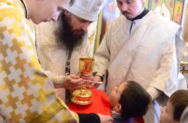 В Лазареву субботу митрополит Феодор совершил богослужение в храме поселка Котлубань