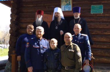 Сегодня жители Дубовки собрались на архиерейском богослужении в Свято-Троицком храме
