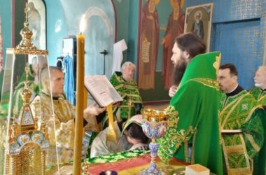 За праздничным богослужением награждены священнослужители Волгоградской епархии