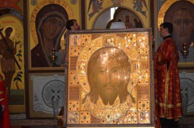 Помолимся о мире в нашем Отчестве: образ Спаса Нерукотворного прибывает в Волгоград