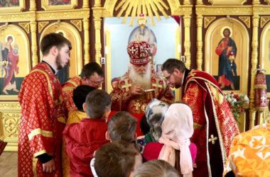 Владыка Герман побывал в храме Похвалы Богородицы