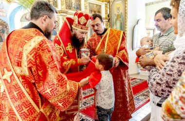 В праздник святителя Николая Чудотворца богослужение в кафедральном соборе Камышина совершил митрополит Феодор