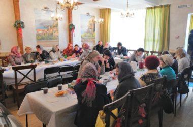 На встречах «Быть нужным» в храме Сергия Радонежского прихожане обсуждают добрые дела