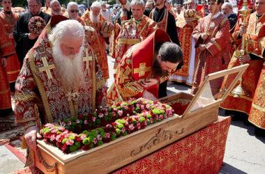 Как волгоградцы молились своему небесному покровителю священномученику Николаю Попову: фоторепортаж