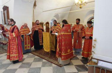 В Центральном благочинии соборно помолились священномученику Николаю Попову