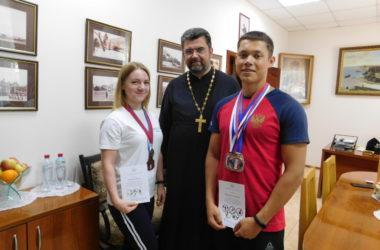 Профессиональные спортсмены вручили в Никольском соборе награды победителям десткого конкурса «ОлимпиаДА!»