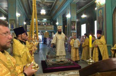 Митрополит Феодор совершил Всенощное бдение в канун Недели Всех Святых