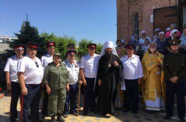 Митрополит Феодор отслужил девятую пятницу по Пасхе в рабочем поселке Городище