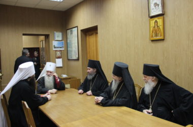 Архиереи поздравили митрополита Германа с праздником в честь священномученика Николая Попова