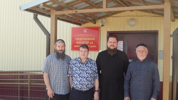 Представители общественного совета при УФСИН и духовенства посетили  ИК-28 и  СИЗО-5