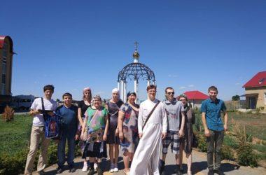 Для молодых подопечных Соцзащиты Кировского района прошла экскурсия в Храм Иоанна Богослова