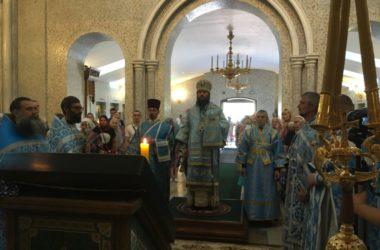 Видео: Митрополит Феодор отслужил Божественную Литургию в память Владимирской иконы Божией Матери
