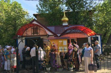 Храм Петра и Февронии Муромских самый маленький в Волгограде