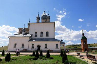 Летом волгоградцы активно посещают святыни митрополии