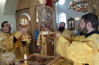 Видео: в храме Великомученицы Параскевы прошла архиерейская Божественная литургия