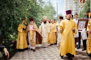 Видео. Престольный праздник в храме Всех святых, в земле Российской просиявших