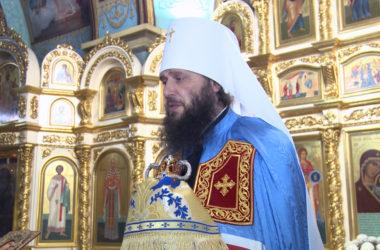Владыка Феодор: Мы подобно апостолам соединяемся в храме перед святой Плащаницей
