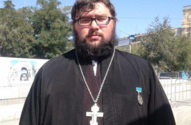 Скромный подвиг сельского батюшки и награда всему православному священству