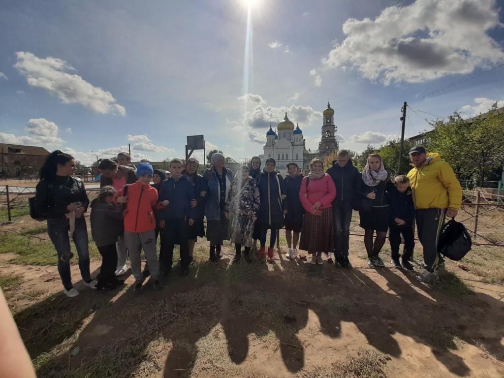 Прихожане храма Параскевы Пятницы побывали у святынь Астраханской области
