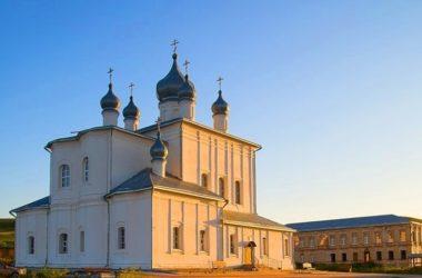 «По святым местам». Кременско-Вознесенский монастырь