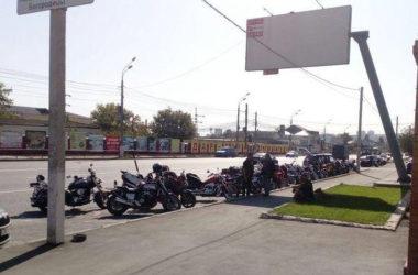В храме Похвалы Богородицы почтили память погибших мотоциклистов