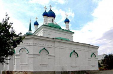 Видеосюжет об освящении храма в Дубовке