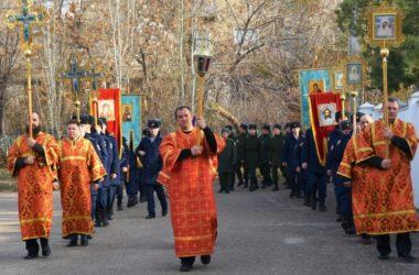 В день Димитрия Солунского камышане прошли крестным ходом с его иконой.